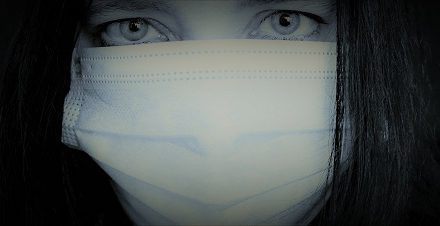 È donna la prima vittima del virus